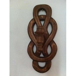 Sfesnic decorativ din lemn